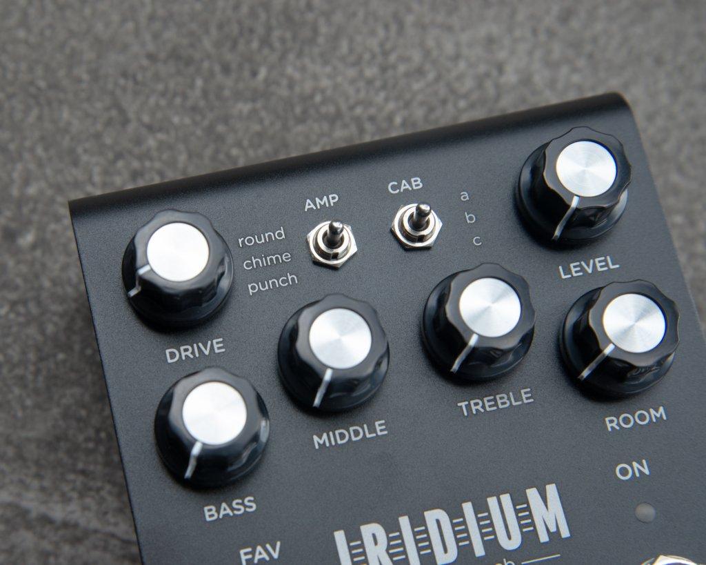Strymon Iridium Closeup with amp models displayed