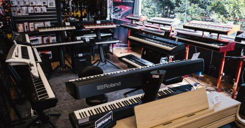 What's the Best Digital Piano and Keyboard: A Beginner Buyer's Guide